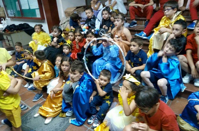 """""""Bimbi sotto le stelle"""", la rappresentazione a San Mauro è un successo"""