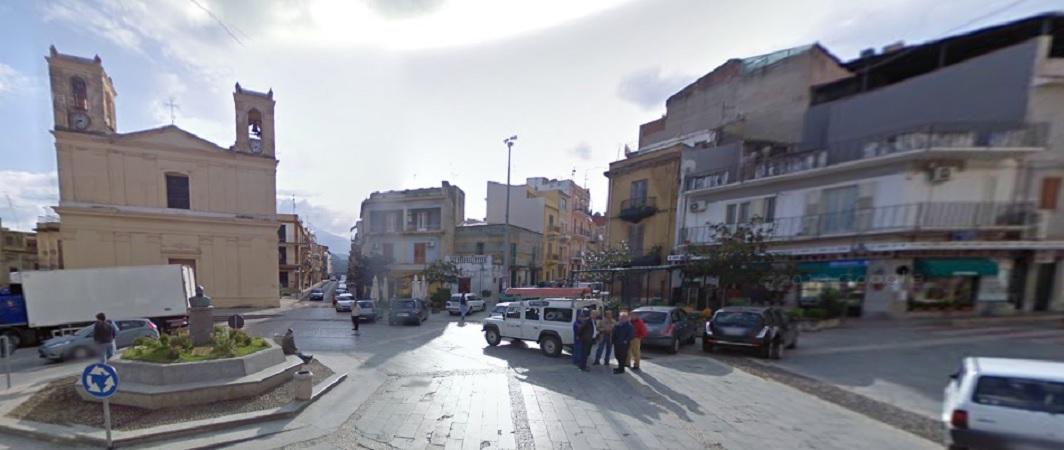Campofelice, rapina all'Unicredit di piazza Garibaldi