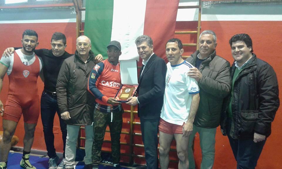 Termini Imerese, premiato il campione europeo di lotta libera Frank Chamizo