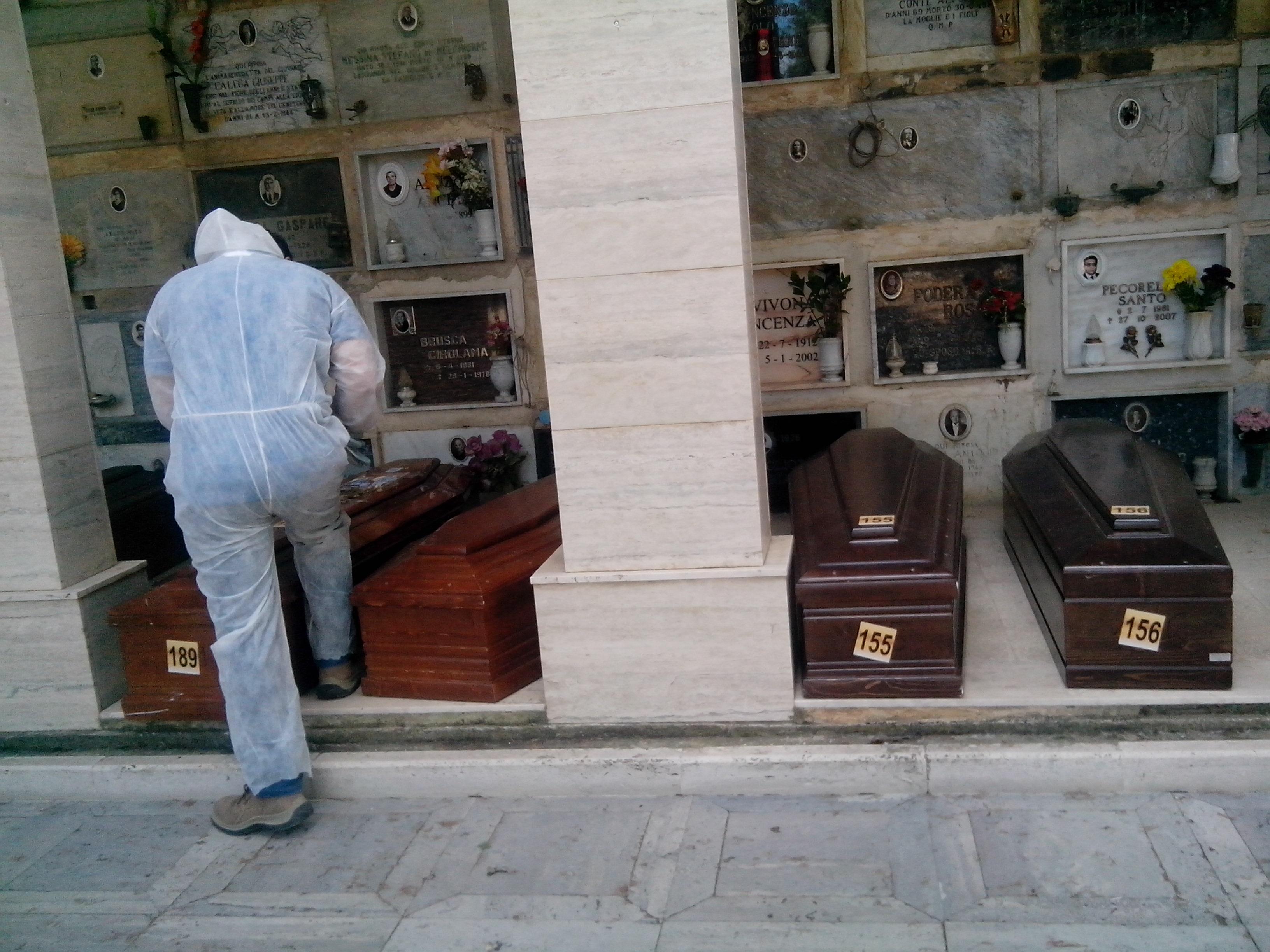 Castellammare, la sepoltura dei naufraghi, domani la cerimonia con l´Imam