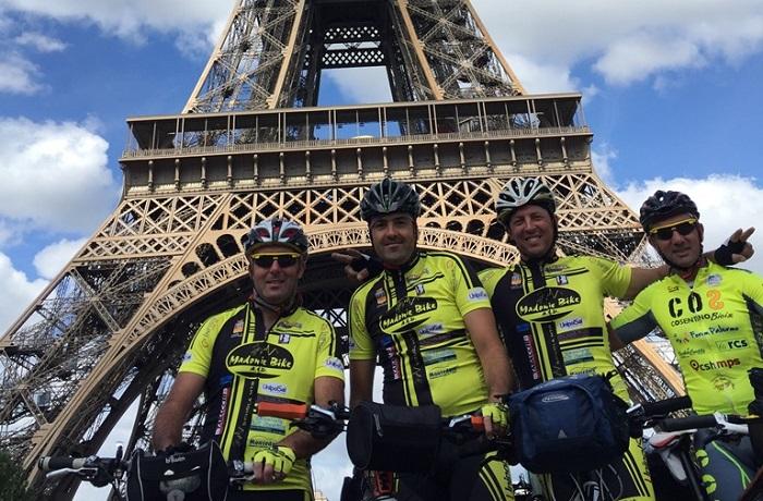 Tre ciclisti madoniti compiono l'impresa: da Genova a Parigi in bicicletta