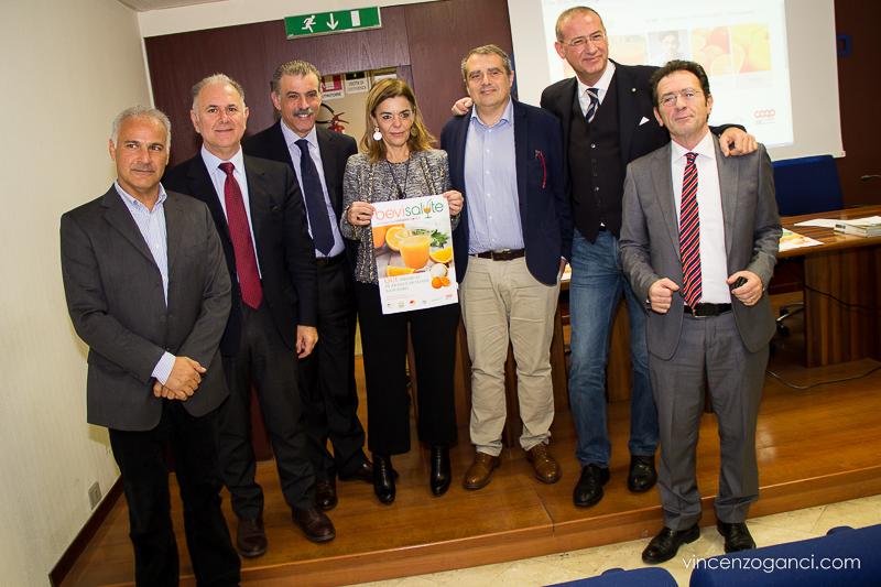 Nei bar siciliani spremute di arance ad un euro: ecco la nuova iniziativa