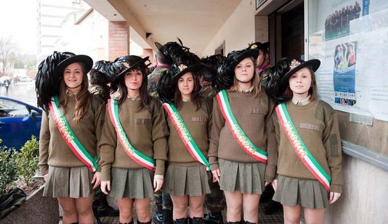 A Caccamo le uniche donne berasagliere italiane