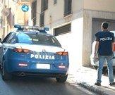 Controlli a Mondello, polizia minacciata con bottiglie di vetro
