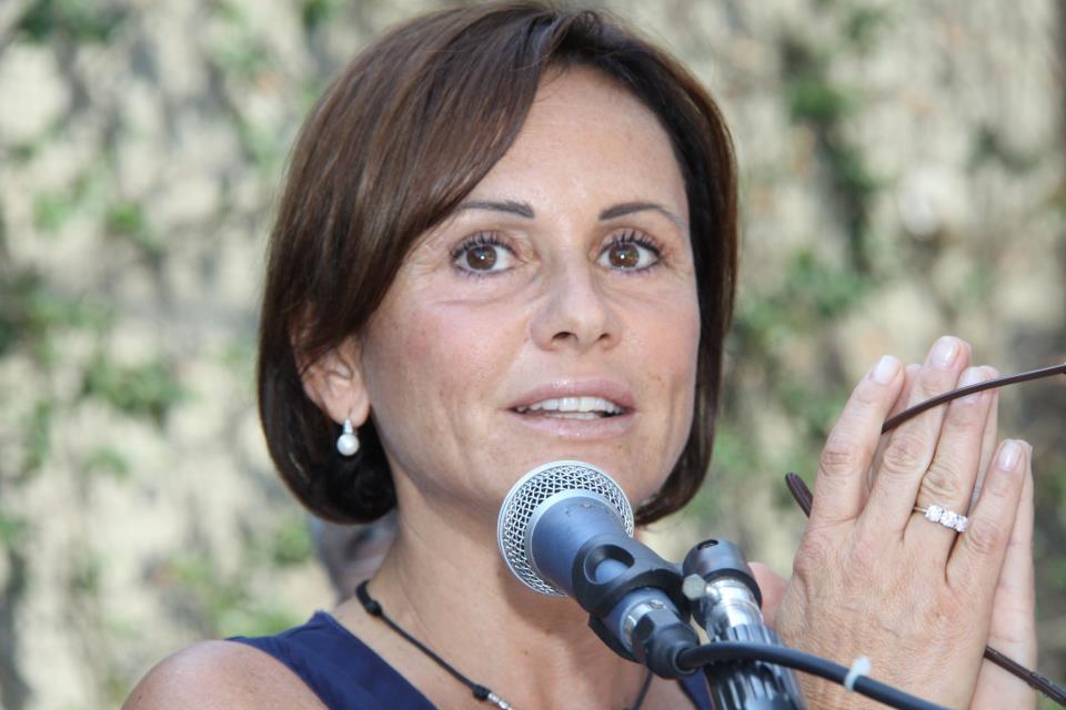 Simona Vicari indagata per concorso in falso