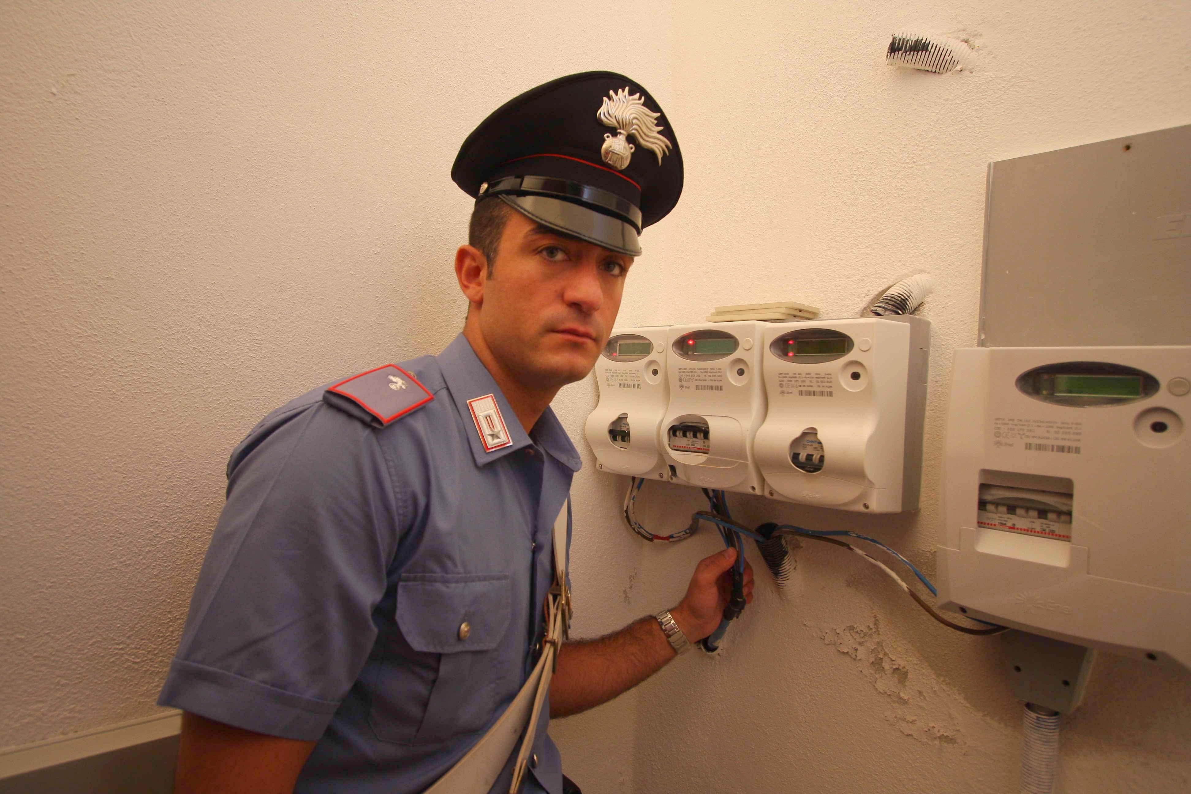 """Ventimiglia, abitazioni illuminate """"abusivamente"""", cinque denunciati"""