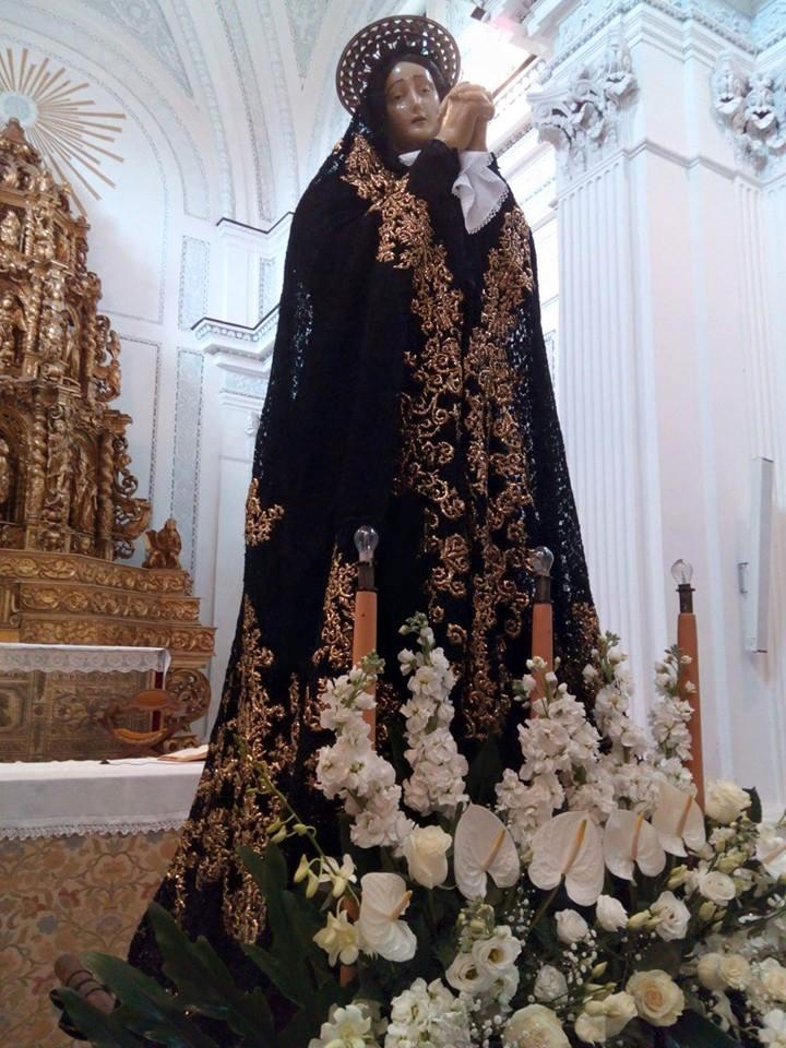 La Statua Della Madonna Addolorata Nella Chiesa Santa Maria Grazia Di Polizzi Generosa Bellissima Un Raro Esempio Arte Con Volto E Mani In