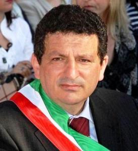 Solidarietà del sindaco Lapunzina al consigliere Larosa