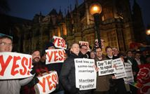 Londra, primo sì ai matrimoni gay
