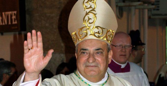 vescovo saluta