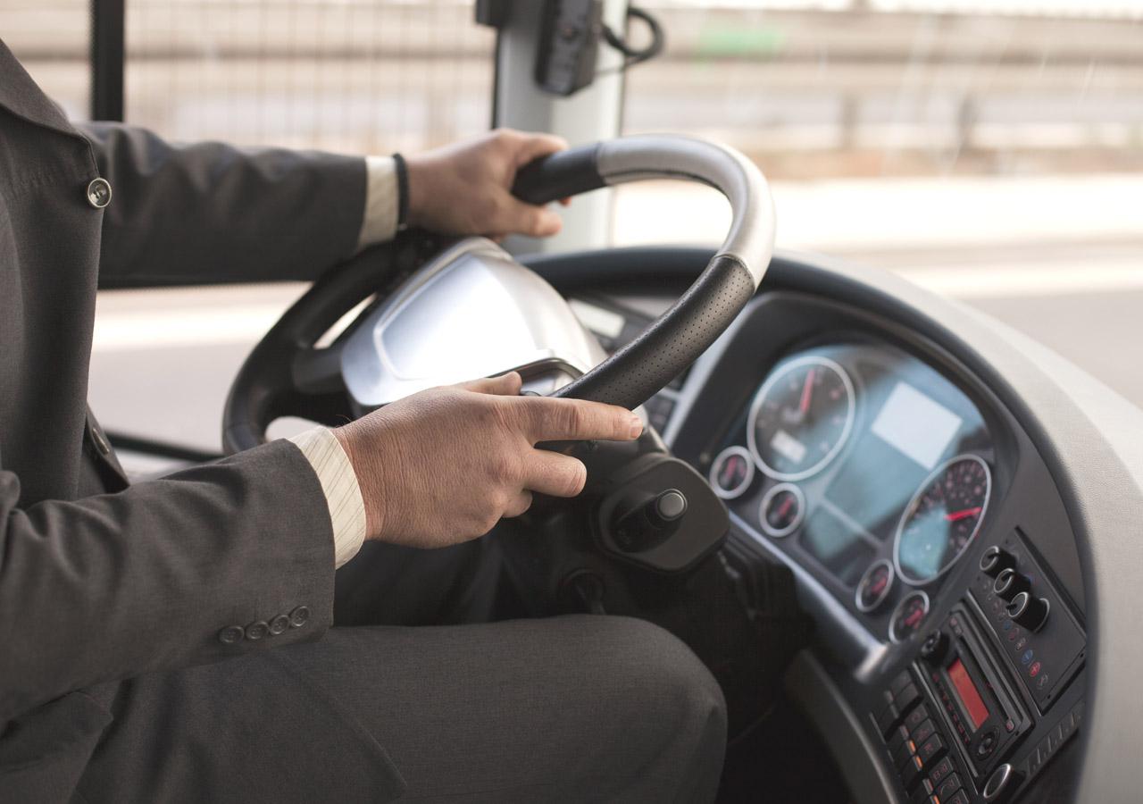 Castelbuono, molestie sessuali sul bus: condannato autista