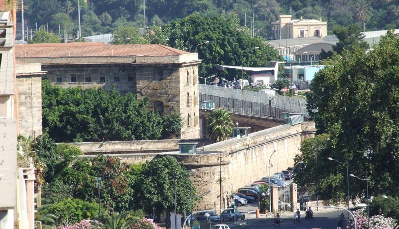 Spacciavano droga dentro il carcere di Termini Imerese: condannati due detenuti