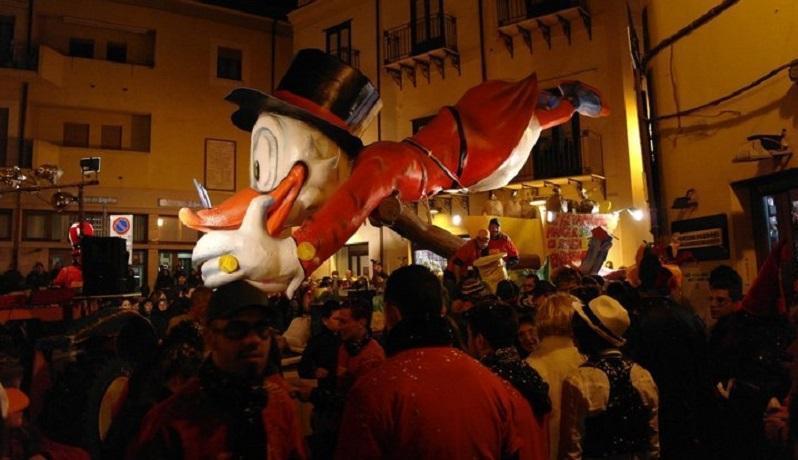 Carnevale di Termini, il sindaco vieta la vendita di bevande in vetro, petardi e bombolette spray