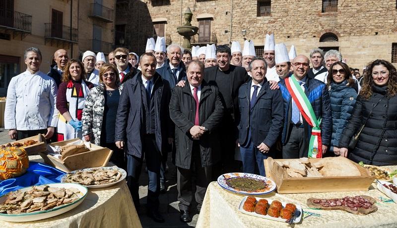 Dal Piemonte alla Sicilia, un tesoro di nome castagna: il dibattito a Castelbuono