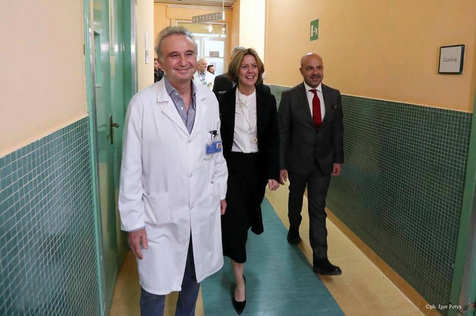 """Fiocco rosa a Petralia, Mya nasce nel """"reparto fantasma"""" snobbato dalla Lorenzin"""
