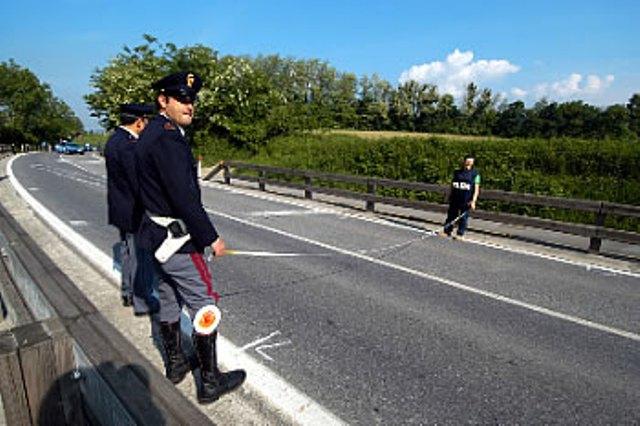 Tremonzelli, si ribalta tir: autostrada chiusa fino ad Irosa