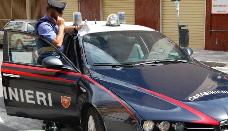 Svaligiavano villette a Campofelice di Roccella, arrestati tre giovani