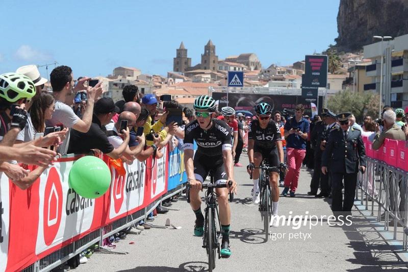 Tutti pazzi per il Giro d'Italia: in migliaia per la tappa di Cefalù
