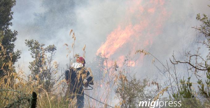 rischio incendi fiamme traliccio focolai incendi