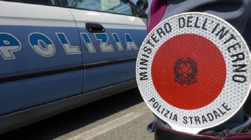 """Operazione """"Estate Sicura"""", controlli a tappeto della polizia: 5 denunce"""