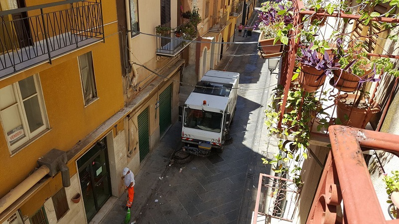 Termini, ancora pulizie straordinarie: ripulita strada Verdura