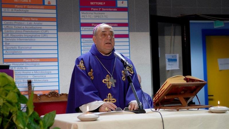 La messa di Natale con il vescovo Manzella all'ospedale Giglio di Cefalù