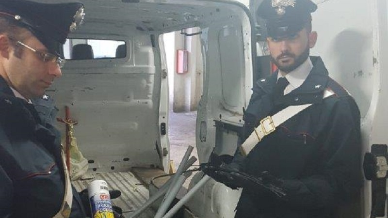 Tentano rapina con furgone onoranze funebri, arrestate 6 persone
