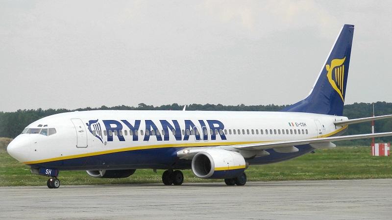 Volo Ryanair cancellato, da Bergamo a Catania a bordo di un pullman