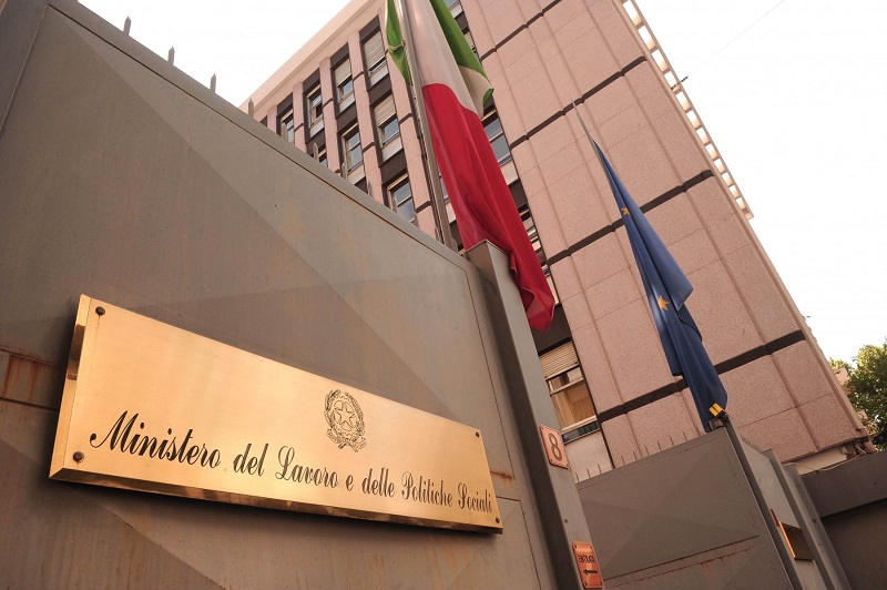Vicenda ex operai della Fiat: per un solo giorno, 21 operai senza ammortizzatori sociali