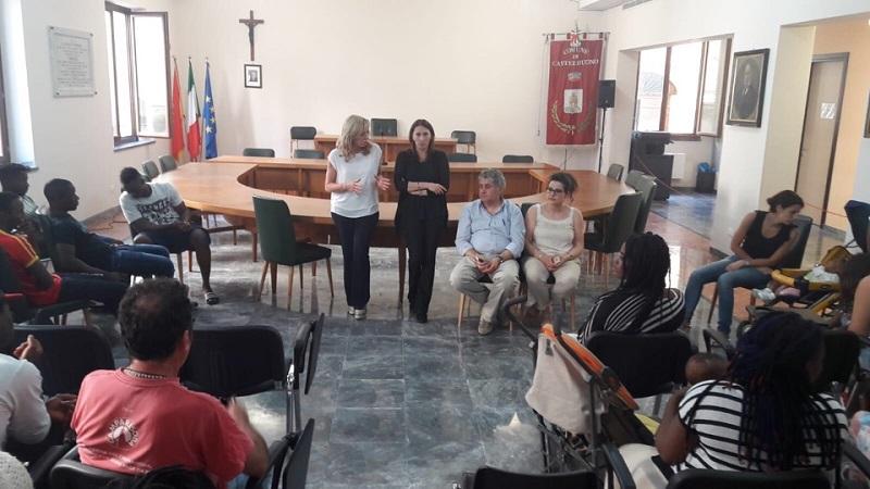 Castelbuono, il sindaco incontra le cooperative che si occupano dei migranti