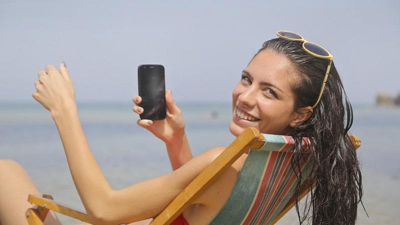 Cosa mettere in valigia? Basta uno smartphone, grazie!