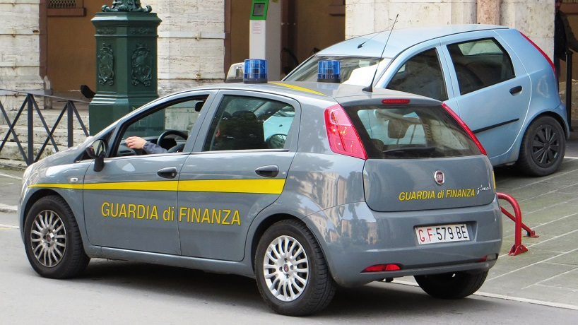 Bancarotta fraudolenta, evasione e riciclaggio: sequestro da 8 milioni di euro