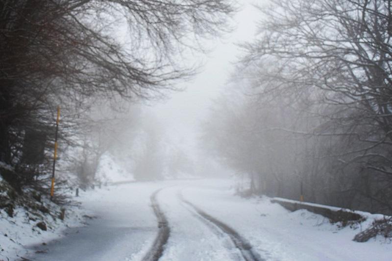 """Meteo, arrivano freddo e gelo. Il 4 è il giorno più difficile: """"In viaggio solo per necessità"""""""