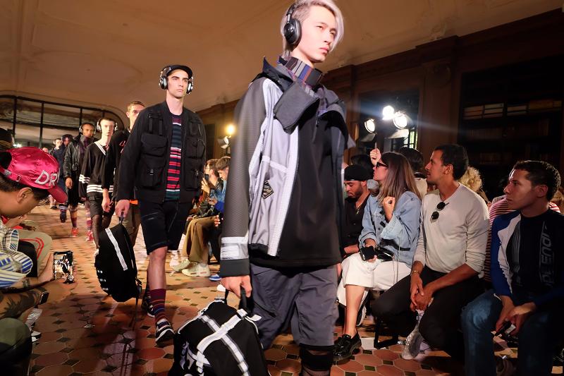 La sfilata di Gucci incanta la platea della settimana della moda a Parigi