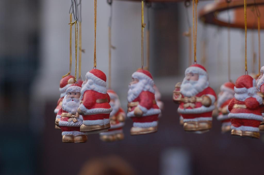 """A Geraci Siculo il primo raduno di """"Babbi Natale"""""""