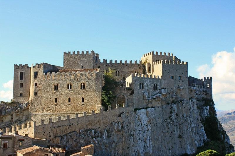 Il Medioevo, storia e mito degli ordini cavallereschi: la rievocazione a Caccamo