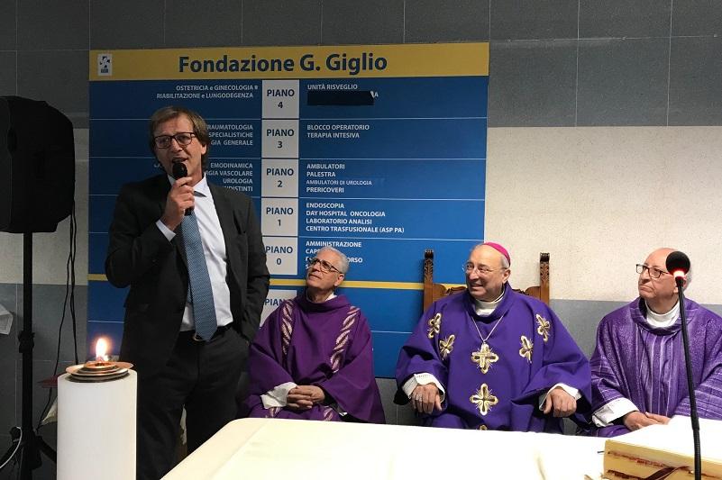 """Cefalù, il vescovo Marciante al Giglio: """"Trattare l'ammalato con amore"""""""