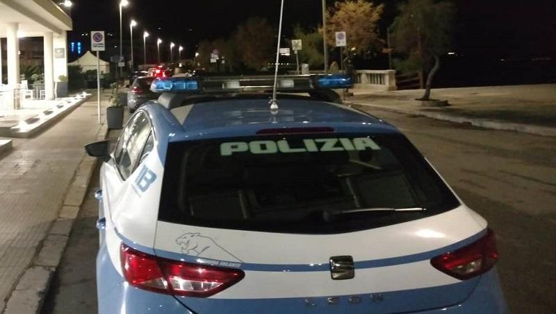 Cefalù, festa abusiva sul terrazzo di un albergo: la Polizia blocca tutto