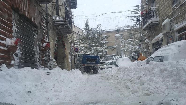 Petralia Soprana, ancora neve: domani le scuole rimarranno chiuse