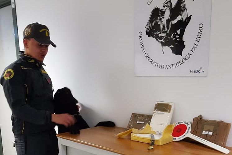 Buonfornello, oltre 4 chili di cocaina nascosta nell'airbag: arrestato corriere della droga