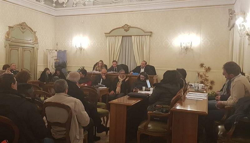 """""""Giochi di palazzo"""": consiglio comunale alle 12, l'opposizione diserta"""