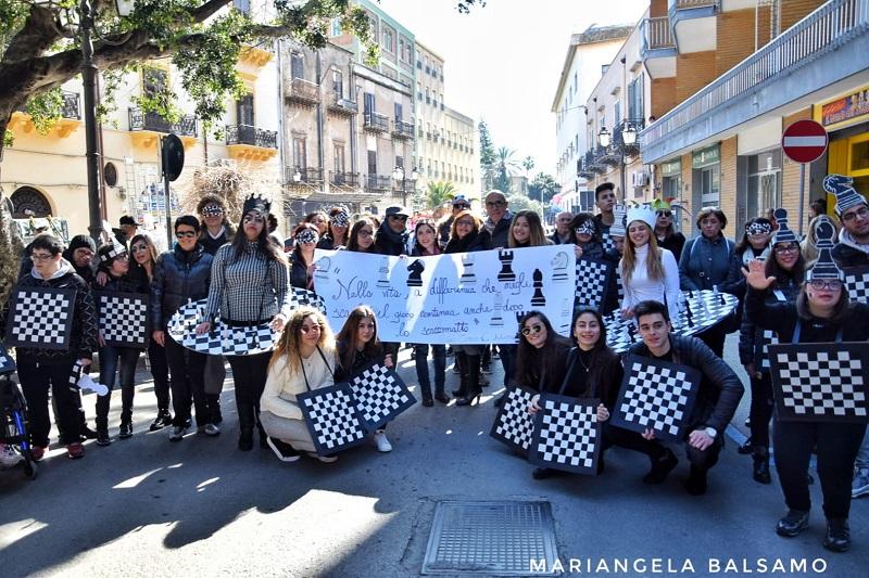 """Scuole in piazza, anche gli studenti aderiscono al """"Carnevale Termitano Accessibile"""""""