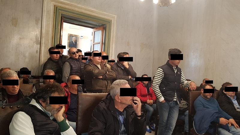 Vertenza Blutec, gli ex operai della Fiat occupano di nuovo la sede del comune