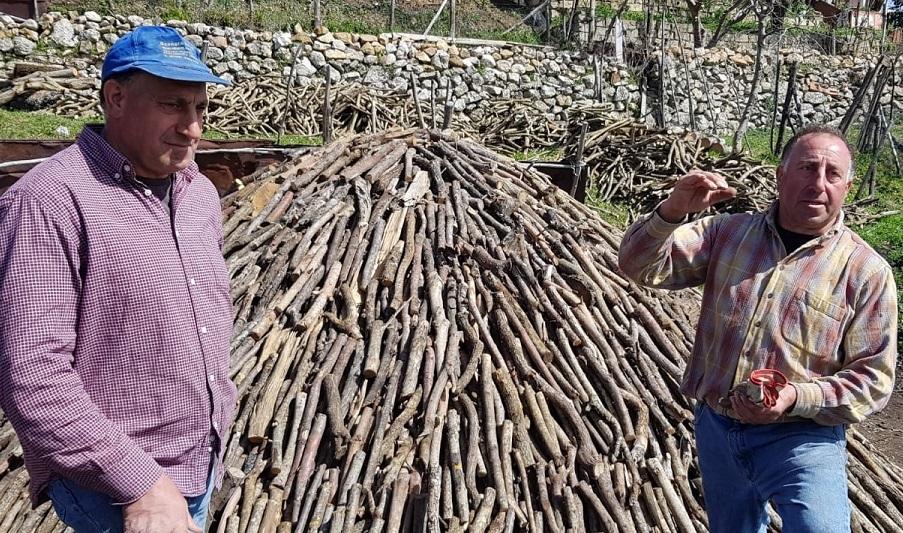 Gli ultimi carbonai: la storia fra passato e presente dei fratelli Carrubba