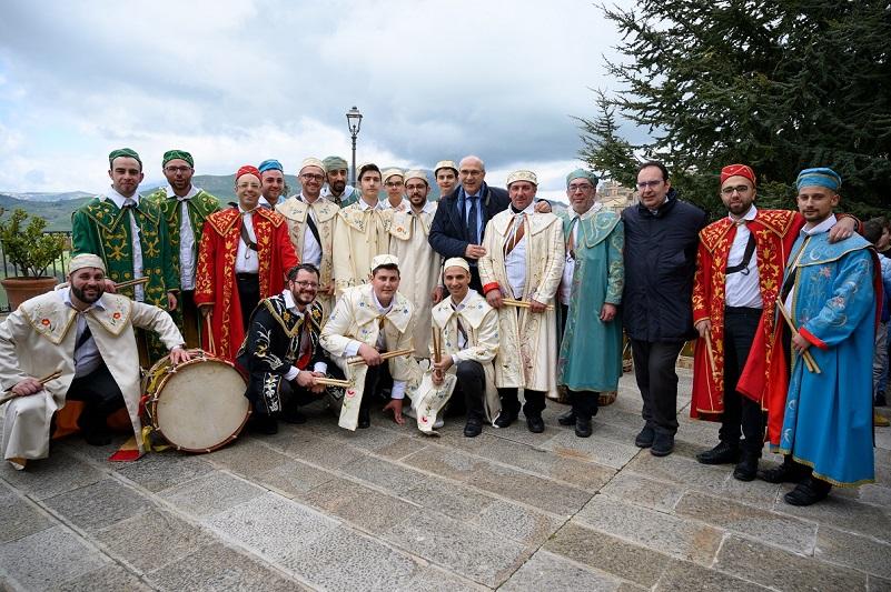 """La Domenica delle Palme, tra fede e i """"Tamburinara"""""""
