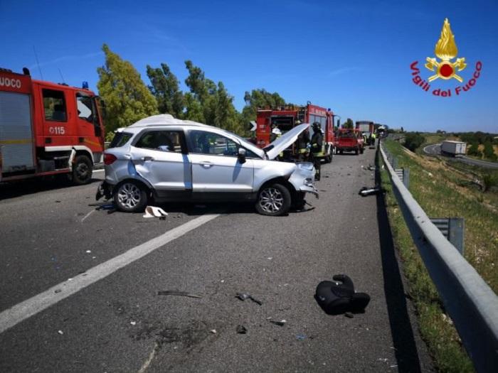 Schianto sull'autostrada A19, morte due persone