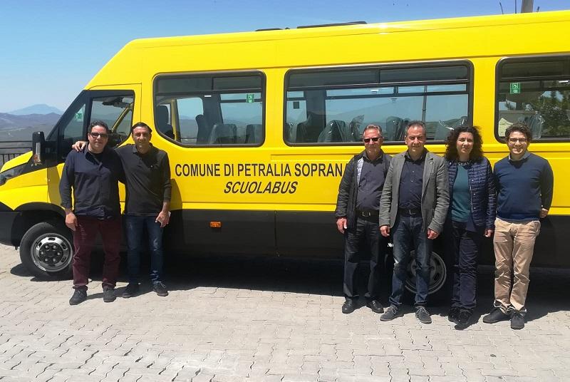 Un nuovo scuolabus per gli alunni di Petralia Soprana