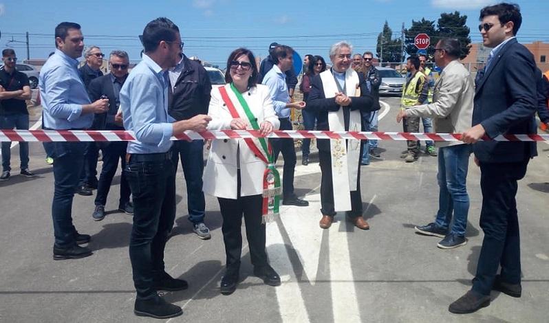 Lungomare, aperto anche il sottopasso Comaco, ma infuria la polemica