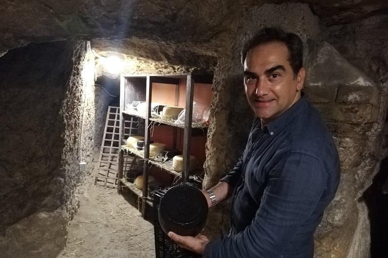 """Da Bompietro ai qanat di Palermo: """"Qui affino il mio formaggio madonita"""""""