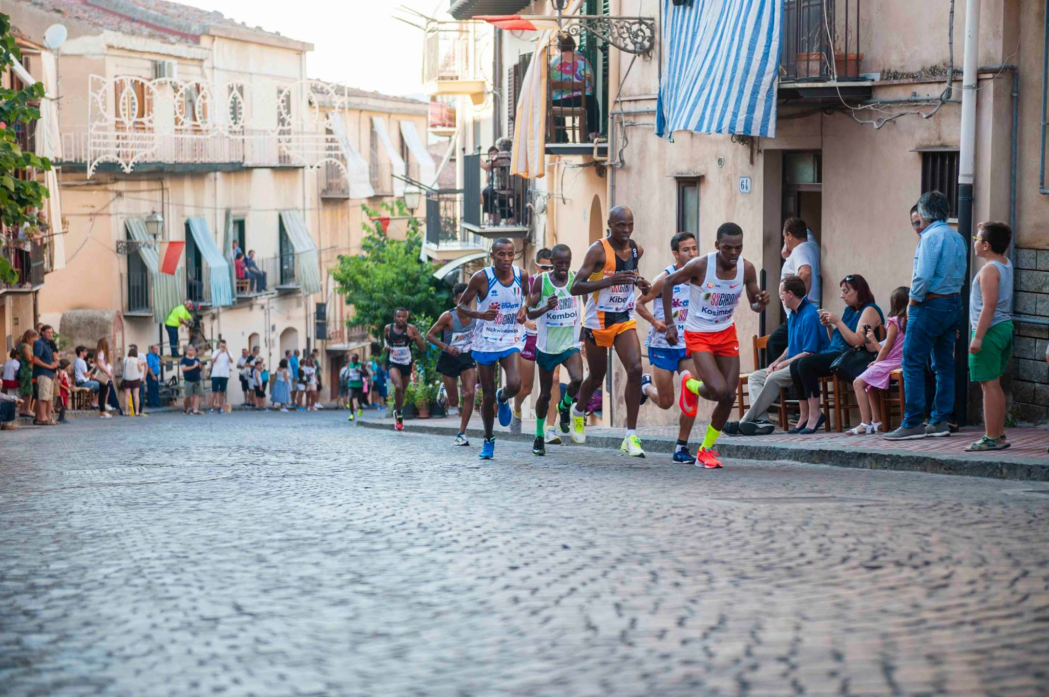 Parata di campioni al giro podistico di Castelbuono